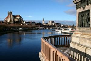 Hyrbil Auxerre
