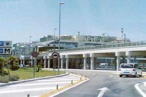 Hyrbil Bari Palese Flygplats