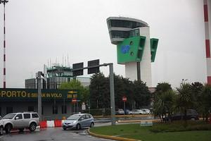 Hyrbil Bergamo Flygplats