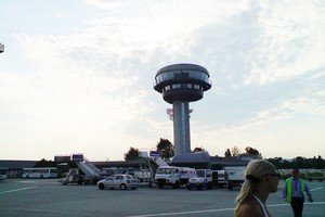 Hyrbil Bratislava Flygplats