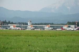 Hyrbil Ljubljana Flygplats