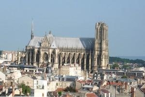 Hyrbil Reims